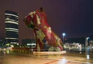Puppy, de Jeff Koons, en el Museo Guggenheim, Bilbao